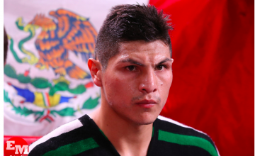 Pablo Cano of Mexico beat Jorge Linares, harshly, and won via stoppage in their super lightweight showdown in NYC.