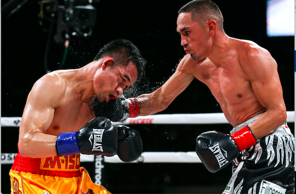 Ed Mulholland captured Estrada smacking Sor Rungvisai, during his victorious outing in Cali.