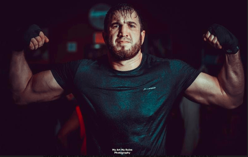 Apti Davtaev went to 20-0-1 Friday in Russia, and is a hot heavyweight prospect.