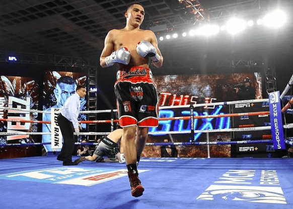 Miguel Flores impressed on the undercard of the card topped by Oscar Valdez.