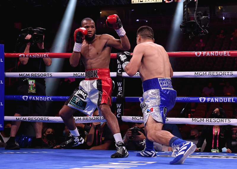 """Former world champion Julian """"jJRock"""" Williams was unsuccessful in his comeback attempt, losing a split decision to Vladimir Hernandez of Mexico Photo: Frank Micelotta/Fox Sports/PictureGroup"""